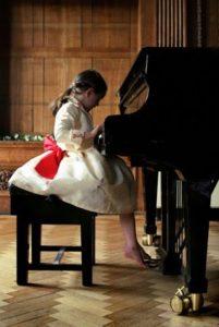 Piyanoya başlamak için en erken yaş kaçtır?