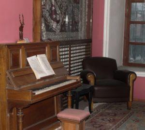 İlk Osmanlı Duvar Piyanosu